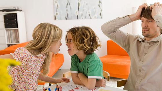 Abordarea pentru ca puiul tau sa imparta jucariile cu alti copii, chiar daca sunt sau nu scumpe, fara sa se certe!
